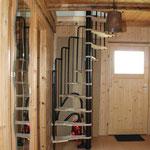 Separater Eingang über Außentreppe und Aufstieg zum Schlafraum