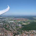 Rot umrandet der Flugplatz Walldorf