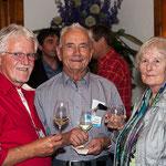 v.l. Albert Jten, Jakob Weilenmann mit Ehefrau Maria feierten die Goldene Hochzeit