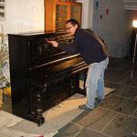 unser Klavier konnte auch einen Anstrich vertragen