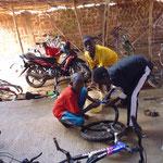 praktischer Unterricht in Fahrradreparatur