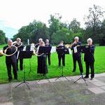 Die Parforcehorngruppe Waldecho unter der musik. Leitung von Helmuth Fintl
