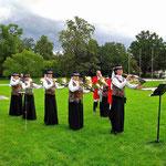 Die Reiterlichen Jagdhornbläser Maingau unter der musik. Leitung von Petra Palm-Hantke