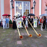 Das Alphorngruppe Rheinkiesel unter der musik. Leitung von Dieter Schmid