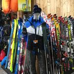 Vielfältiges Angebot an Alpin- sowie Tourenski
