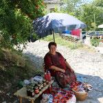 De dame verkocht van alles gemaakt van granaatappels