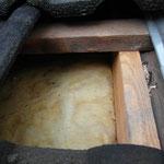 Dach III - Mineralwolldämmung ist teilweise feucht.