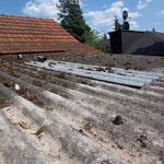 Unterschreitung der Regeldachneigung im Schleppdachbereich und Wellplattendach aus Asbest
