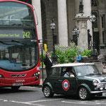 Rotes und grünes Auto