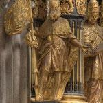 Statue des Hl. Leopold auf der linken Seite des Hochaltars