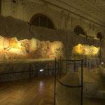 Höhlenmalereien zeigen Höhlenbär, Waldbison, Riesenhirsch und Höhlenlöwe, wie sie der eiszeitliche Mensch als Zeit- und Augenzeuge erlebte.