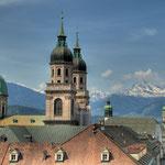Die Türme der Jesuitenkirche, im die Alpen
