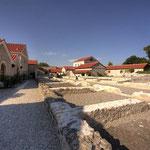 Carnuntum Petronell: großer Hof mit Grundmauern