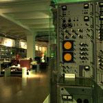 Die Entwicklung von Post-, Telegrafen-, Telefon-, Funk- und Rundfunknetzwerken