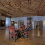 Die Porträtgalerie umfaßt mehr als 200 Bildnisse, u.a. Gemälde von Lukas Cranach, Tizian, Anton van Dyck und Diego Velázquez.