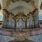 Das große Orgelwerk stammt von Anton Pfliegler aus Wien (von ihm stammt z. B. auch die Chororgel im Stift Klosterneuburg). Es wurde 1773 vollendet.