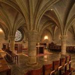 Zwischen 1333 und 1382 wurde eine Kapelle an den Kapitelsaal als Stiftung des Ministerialen-Geschlechts der Neitperg erbaut. Sie wird erstmals 1493 Wolfgangskapelle genannt. Später wird sie zur Ruhestätte