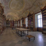 Der beeindruckende Bücherbestand des Stiftes Herzogenburg umfaßt insgesamt 60.000 Bände