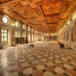 Der »Spanische Saal« zählt zu den schönsten freistehenden Saalbauten der Renaissance.