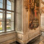 Ein Blick aus dem Riesensaal auf die zwischen 1627 und 1640 erbaute Jesuitenkirche/Universitätskirche.