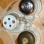 Risque de contact direct par demontage et indirect par défaillance d'isolant internes