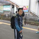 早朝から微笑む本田