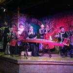 レストランの箱バンをしていた、モンゴルの若手バンド。トゥバ寄りらしい。