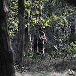 Die Trainerin steht im Wald????