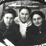 Учителя Султанова А., Давлетшина Г., Исламова А. 12.1947г.