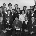 Исмагилов Р.С. на встрече ветеранов обороны крепости с летчиком космонавтом А.А. Леоновым