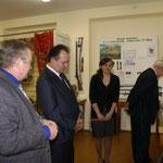 Проректор Башкирского государственного аграрного университета Р.Х.Авзалов занкомится с экспозициями музея