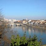 Basel Blick vom Münsterplatz auf den Rhein