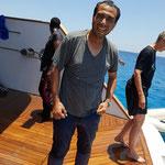 Nach diesem Sprung von der Plattform in das Wasser, war Abdos Welt wieder in Ordnung.