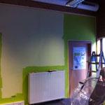 22.02.14: n' bisschen neue Farbe ist heute auch schon an der Wand. Es geht was vorwärts - saustark!