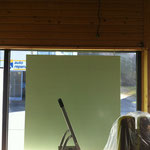 26.02.14: Montage der Plexiglasflächen zur Angebotskommunikation