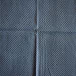 hellblau mit weißen Punkten ca. 2mm