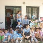 Jardín 907 con la señorita Carolina Ferrari, profesora de música