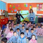 Para terminar nos sacamos unas fotos todos los artistas junto a la señorita Myriam.