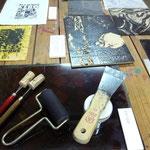 Proceso del grabado Xilografía y Linóleografía