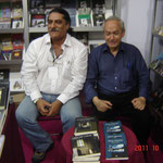 Con Horacio Carvallo en el stand de Mago Editores