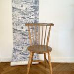 BALTIC SEA in Pariserblau ist eine handgedruckte Tapete von PRINT GARDEN Tapetenmanufaktur in Hamburg