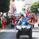 die Piraten durch die Straßen von Gran Tarajal