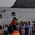 Die hl. Carmen wird zum Meer getragen