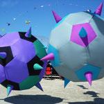 """Spikeballs """"tanzen"""" bei jedem Wind"""