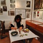 Kathi Herzog war am 6. Okt. als Gasthandwerkerin im Museum tätig.