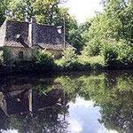 """""""Le Moulin de Malesse"""" centre équestre 6 Km (4 miles)"""