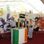 Mainfrankenmesse, Stand der DIG, 29.09.2013 (Peter Wimmer, Katharina Wimmer, Matthias Fleckenstein, Michaela und Jakob Fleckenstein)