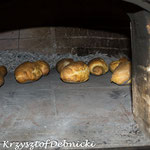 La cottura nel forno a legna. Questa foto ci arriva dai nostri amici polacchi Ewa e Krzysztof.