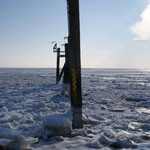 Eisschollen am Versorgeranleger Norderney