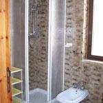 B4 Tiberio shower